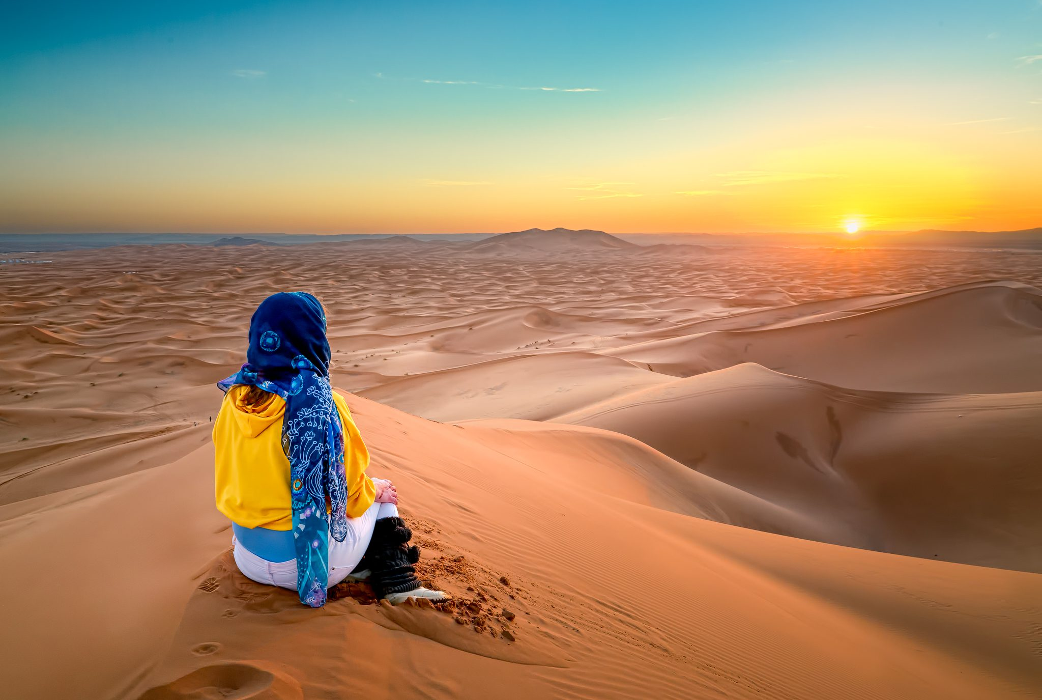 Would you agree that beauty can be dangerous? I would definitely say so in case of Sahara. It is so breathtakingly sublime, it is easy to forget just how unforgiving it can be.